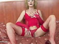 Granny hairy pussy getting ass fucked wits big black load of shit