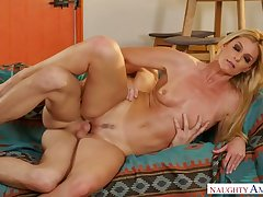 Torrid effusive fine-grained plus leggy blondie India Summer is poked in spoon pose