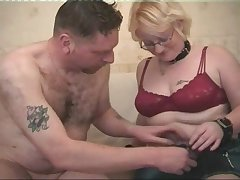 Peaches about glasses opens the brush legs of an erected prick
